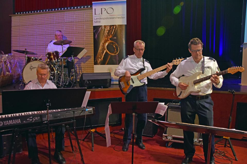 Die Jazz-Rock-Pop-Band des Landespolizeiorchesters NRW spielte bei der Landessportlerehrung im GOP-Varieté-Theater Bonn